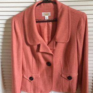 Waist length, 2 button, jacket/blazer